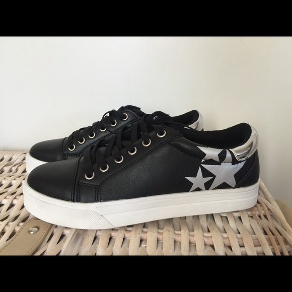 21d1fe436dda AZ Black Sneakers (leather look like Converse)